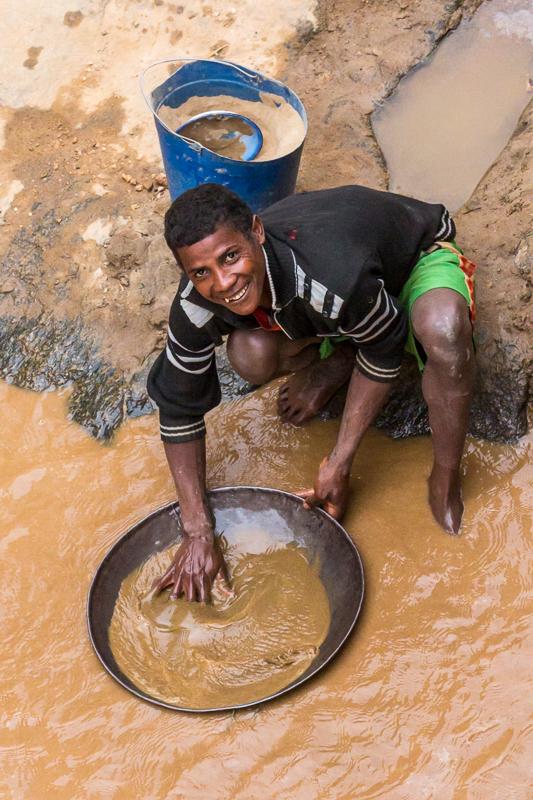 Madagascan Gold Panner